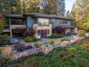 retaining walls in Seattle home
